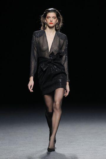Plumetti top & bow skirt