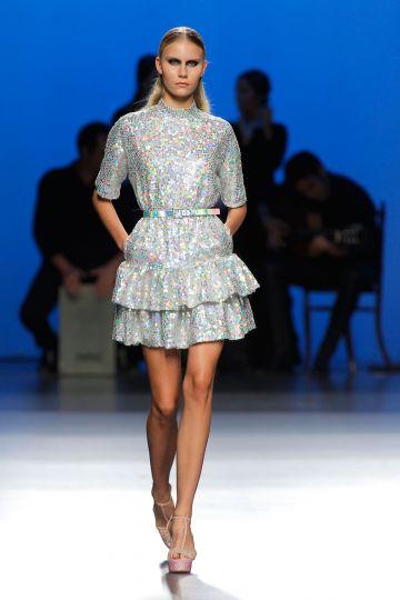 Short paillettes dress ruffles