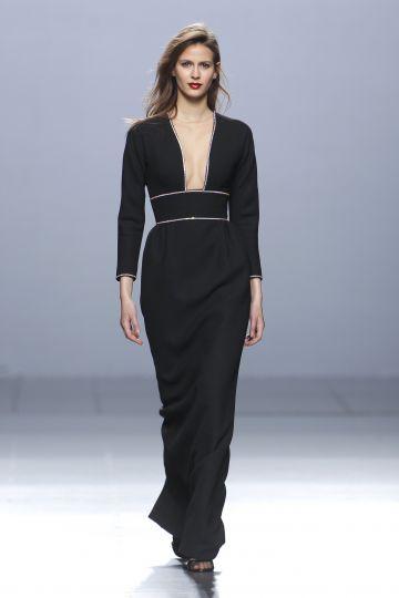 Vestido largo de crepe negro