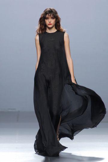 Vestido largo de muselina en negro