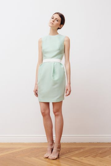 Sleeveless gazar dress