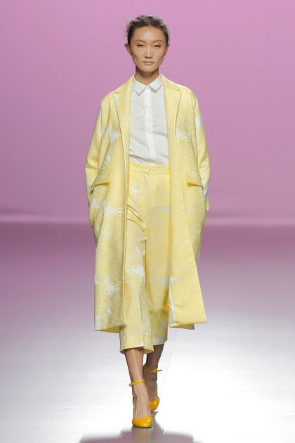 Yellow Jacquard coat & shorts with white shirt