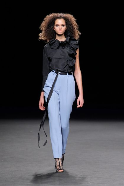 Asymmetric top+Pleated trousers