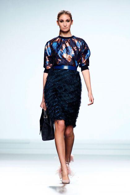 Fil coupé top & fringed skirt