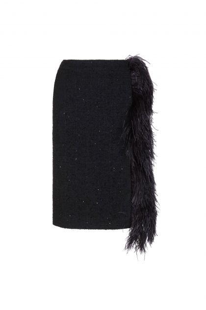 Falda midi con plumas
