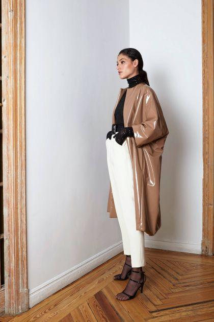 Look abrigo de vinilo