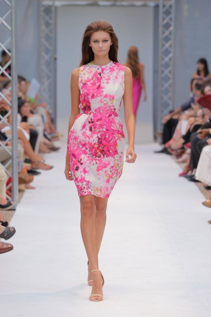 Sleeveless mini dress with pink floral print
