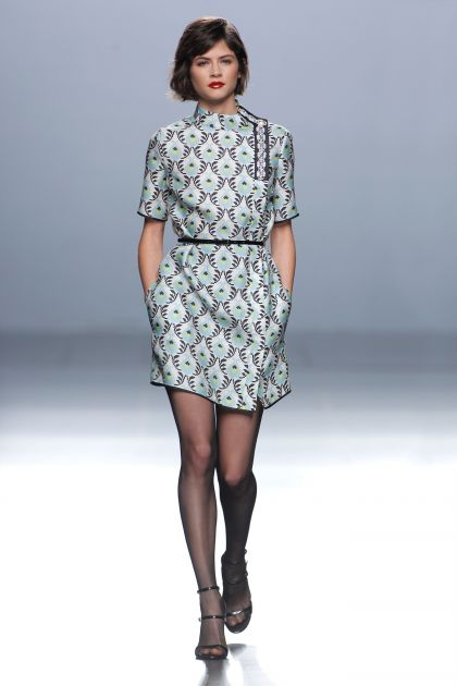 Short-sleeved print gazar dress